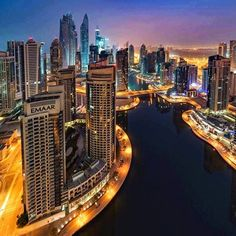 Meet the cosmopolitan Dubai, the place where luxury has passed into another dimension! Artificial islands, artificial ski resort, underwater restaurants, hotels and countless shopping malls. The best time to visit it starts in November, as temperatures are milder. Hotel rooms from 51.50€ only!!!