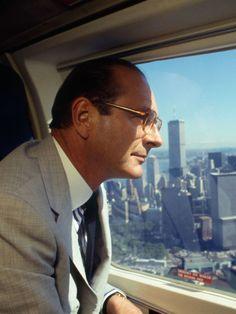 Alors que nous apprenons l'hospitalisation de Jacques Chirac, une enquête qui sort en librairie ces jours-ci apporte un éclairage inédit sur le... Greatest Presidents, Everything And Nothing, Jumping Jacks, Pilot, Mens Sunglasses, Hollywood, Cool Attitude, History, Portrait