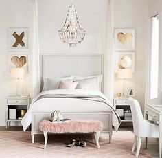 Bedroom Furniture Grey, blush and gold bedroom. Modern bedroom design for teenagers. (Cool Bedrooms For Teenagers)Grey, blush and gold bedroom. Modern bedroom design for teenagers. (Cool Bedrooms For Teenagers) Feminine Bedroom, Glam Bedroom, Modern Bedroom, Fashion Bedroom, King Bedroom, Trendy Bedroom, Bedroom Curtains, Bedroom Romantic, Bedroom Girls
