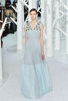 Brides.com:+24+Looks+from+New+York+Fashion+Week+Brides+Will+Love Romantic+Bride
