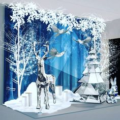 1 million+ Stunning Free Images to Use Anywhere Christmas Party Backdrop, Silver Christmas Decorations, Christmas Window Display, New Years Decorations, Christmas Party Decorations, Christmas Store, Noel Christmas, Christmas Design, Christmas Photos
