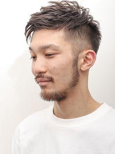 【2019年夏】ソフトツーブロックセミウェットビジネス【イワサキカツヤ】70/Daisy (Prod. Breath beauu)【デイジー】のヘアスタイル|BIGLOBEヘアスタイル Long Hai, Japanese Men Hairstyle, Mens Braids Hairstyles, Gentleman Style, Haircuts For Men, Cut And Color, Hairdresser, Hair Cuts, Handsome