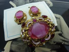 VINTAGE WEST GERMANY pink art glass oval pin and от AuntPenelope