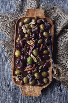 This recipe will delight the foodie in your life. Cinnamon might not be the first spice that comes to mind when you think olives, but I promise you, this recipe is delicious.  Head over to my website for instructions!   INGREDIENTS 3 cups of mixed olives (black and green) 12 Medjool dates, pitted and quartered 1 tsp ground cinnamon ¼ cup red wine vinegar 1 orange ½ cup canola oil ½ cup olive oil 1 tsp fennel seeds ¼ tsp red chili flakes 4 cloves garlic, peeled and quartered Marinated Olives, Medjool Dates, Red Chili, Fennel Seeds, Canola Oil, Ground Cinnamon, Olive Oil, Red Wine, Beans