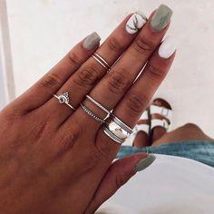 👇Si tuvieras que elegir uno sería el anillo... 1.CHANDI, 2.ETNIS, 3.MUD, 4.LAVESH y 5.BLE (de derecha a izquierda y de abajo arriba)⭐️ |… Dark Color Nails, Pink Nail Colors, Pink Nails, Hair And Nails, My Nails, Powder Nails, Stylish Nails, Nails On Fleek, Nail Inspo