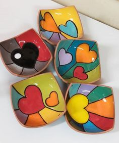 Discover recipes, home ideas, style inspiration and other ideas to try. Pottery Painting Designs, Rock Painting Designs, Ceramic Clay, Ceramic Painting, Ceramic Bowls, Pottery Bowls, Ceramic Pottery, Painted Pottery, Slab Pottery
