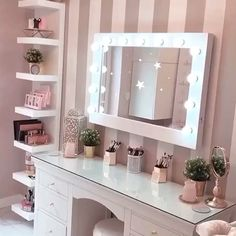 I've been spotting some fantastic DIY vanity mirror recently. Here are 17 ideas of DIY vanity mirror to beautify your room Cute Bedroom Ideas, Cute Room Decor, Girl Bedroom Designs, Room Ideas Bedroom, Girl Bedroom Decorations, Ikea Room Ideas, Home Decoration, Dream Bedroom, Dressing Table Decor