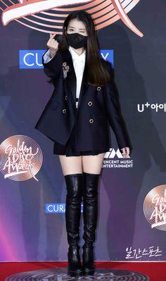 Iu Fashion, Korean Fashion, Fashion Outfits, Korean Actresses, Korean Actors, Korean Girl, Asian Girl, Cute Poses, Korean Outfits