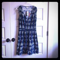Vineyard Vines Dress Cute Spring/Summer dress. Never worn. New with tags Vineyard Vines Dresses Midi