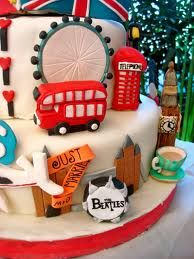 London cake London Party, London Cake, 70th Birthday Parties, Birthday Cakes, 2nd Birthday, British Cake, Pinterest Cake, Novelty Cakes, Cupcake Cakes
