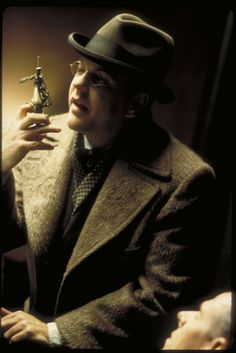 Dark City - Publicity still of Kiefer Sutherland. The image measures 2003 * 3000 pixels and was added on 15 February Fantasy Movies, Sci Fi Fantasy, Dark Fantasy, Kiefer Sutherland, Fiction Movies, Science Fiction, Alex Proyas, Edna Mode, Dark City