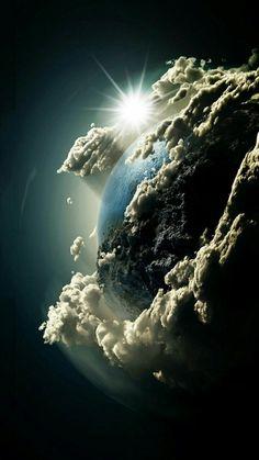 Впечатляющая фотография маленькой голубой планеты, где нам повезло жить ...