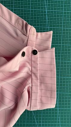 Sewing Lessons, Sewing Hacks, Sewing Tutorials, Sewing Projects, Sewing Patterns, Fashion Sewing, Diy Fashion, Sewing Collars, Couture Sewing
