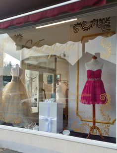 Die Brautkleidbox im Design PEARLY CROCO steht im Atelier Artesposa in Kerpen-Horrem.  www.boxboutique.de www.artesposa.de #Brautkleidbox #BoxBoutique #WeddingDressBox