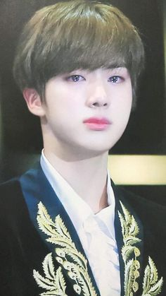 Jin cries for Jimin Bts Jin, Suga Rap, Bts Bangtan Boy, Jimin Jungkook, Seokjin, Namjoon, Taehyung, Foto Bts, K Pop