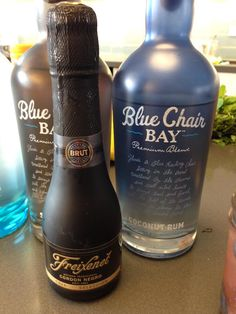 """Head Mixologist for Kenny Chesney's new Blue Chair Bay Rum has mixed up a #cava #cocktail called """"The Knot""""  1 oz Blue Chair coconut rum Equal parts carrot juice and mango juice stirred with ice Pour into a flute and top with Freixenet cava"""