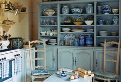 Show of your blue-and-white porcelain collection in a blue and white kitchen!