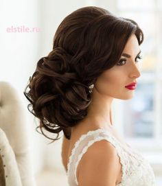 Wedding Hairstyles Updo Loose Curls Wedding Hair - Belle The Magazine - Long hair brides find the perfect wedding day look for your big day on our gallery of stunning loose curls airstyles. Bride Hairstyles For Long Hair, Loose Curls Hairstyles, Wedding Hairstyles For Long Hair, Elegant Hairstyles, Wedding Hair And Makeup, Bun Hairstyles, Bridal Hairstyles, Hair Wedding, Hairstyle Men