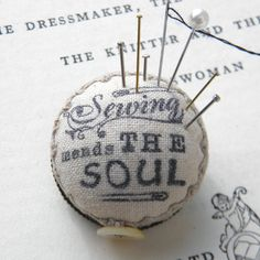 Sewing Mends the Soul, Pincushion Brooch - via Etsy Sewing Box, Sewing Tools, Love Sewing, Sewing Notions, Sewing Hacks, Sewing Crafts, Sewing Projects, Sewing Kits, Needle Book