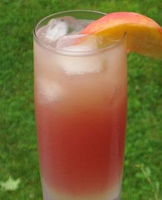 Peach Pucker (1.5 oz. Vodka 2 oz. Peach Schnapps 2 oz. Cranberry Juice 2 oz. Grapefruit Juice 1 oz. 7-Up Peach slice or Cherry for garnish)