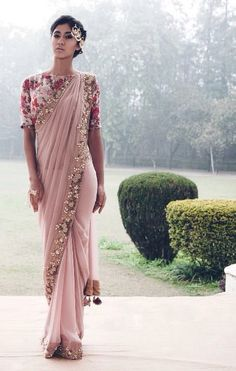 Gorgeous Pink And Champagne Gold Sari // With A Beautiful Floral Mid Sleeve Blouse // I Would Love To Own This Chiffon Saree, Indian Attire, Indian Ethnic Wear, Indian Style, India Fashion, Asian Fashion, Indian Dresses, Indian Outfits, High Fashion