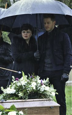 "Snow & Charming - 5x21 ""Last Rites"" Snowing"
