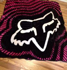 Fox Pink NEW Soft Huge Queen+ Blanket Racing Away RARE