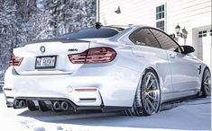 BMW F82 M4 white winter