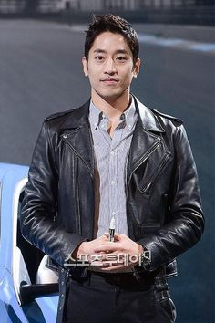 ALL ABOUT ERIC MUN