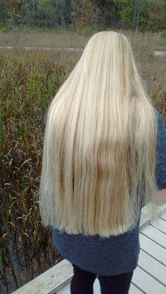 My girlfriend's delicious super-long mane. Long Blond, Dark Blonde, Rapunzel Hair, Platinum Blonde Hair, Super Long Hair, Strawberry Blonde, Beautiful Long Hair, Hair Highlights, Hair Beauty