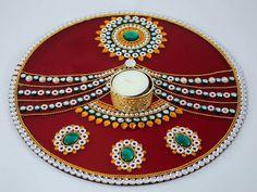 9 Latest and New Acrylic Rangoli Designs with Images Arti Thali Decoration, Kalash Decoration, Diwali Decoration Items, Thali Decoration Ideas, Ganapati Decoration, Decoration For Ganpati, Handmade Decorations, Diwali Craft, Diwali Diya