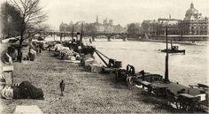 Belle vue sur les activités du port du Louvre, aussi appelé port Saint-Nicolas à l'époque, le pont des Arts et l'Île de la Cité, vers 1900. Paris d'antan, Facebook