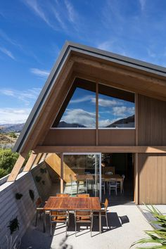 Wanaka House by Lovell Connell Architects 8 Thermal Mass, House Drawing, Concrete Wall, House And Home Magazine, Landscape Design, New Homes, Patio, Central Otago, Mansions