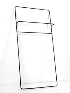 Zwart 70 x 140 - Super mooi en uniek handdoekenrek van 1,40 meter hoog. Dit rek maakt van elke saaie badkamer of keuken een hippe ruimte. Wij zeggen doen! Afmeting 70x140 cm