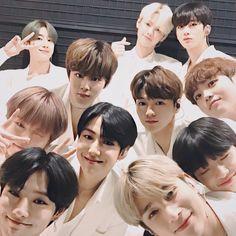 Kpop Iphone Wallpaper, Boy Idols, Bias Kpop, Cha Eun Woo, End Of The World, Kpop Boy, Boyfriend Material, My Sunshine, Cute Wallpapers