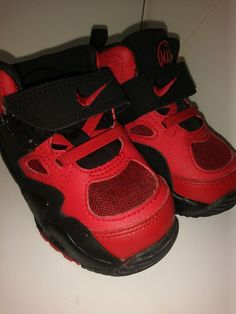 He ll keep on the move in these toddler boys  Nike Air Max ST (TDV) shoes. d38f08c87