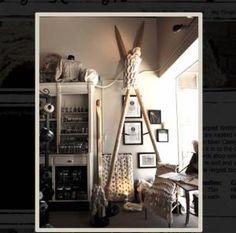 8 Guinness World Records in Crochet: World's Largest Crochet Hook and Knitting Needles Giant Knitting, Knitting Socks, Knitting Needles, Big Needle, Store Windows, Yarn Crafts, Double Crochet, Crochet Hooks, Worlds Largest