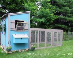 Chicken Coop DIY Project - Nice and easy to follow. Love the Chicken Run too! #HenHouse www.FreeHenHousePlans.weebly.com