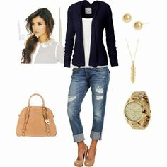 Casual Date Night. I have many of those sweaters and I like this look for a casual night out. But when are you too old to wear ripped jeans? Not sure I can pull that off! Fashion Mode, Look Fashion, Autumn Fashion, Womens Fashion, Mode Outfits, Casual Outfits, Fashion Outfits, Fashionable Outfits, Jeans Fashion
