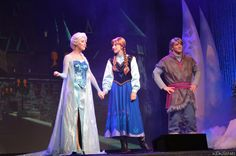 Elsa, Anna, and Kristoff during the Frozen Sing Along (by crabangel)