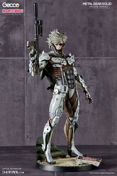 Metal Gear Solid V Ground Zeroes Statue 1/6 Raiden White Armor Ver. 32 cm