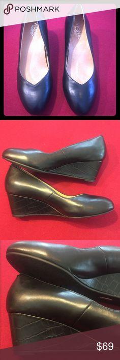 d43dc35b36e Vionic elevated orthopedic wedge size 7 black Vionic style elevated Antonia  in size 7 black wedge orthopedic comfort shoe. Brand-new in a box never  been ...