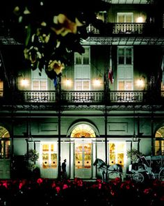 With a rich history dating back to 1803, the world-class, Omni Royal Orleans sits at one of the most fashionable corners in the heart of the French Quarter: St. Louis and Royal. Wake to the sound of jazz music from outside your window and walk to Jackson Square where artists, musicians and palm readers await. #NOLA