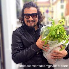 Ciaooooooooooooooo! ;-)))  Borghese... alle prese con le spese! Hahahahahahaha #illussodellasemplicità #catering #Milano