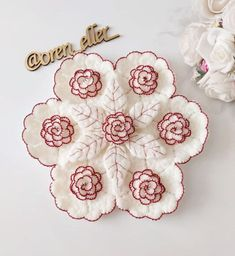 Embroidery Needles, Crochet Flowers, Blouse Designs, Embroidery Designs, Shabby Chic, Crochet Patterns, Crochet Hats, Sewing, Inspiration
