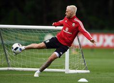 Chris Coleman: How Gareth Bale will help Aaron Ramsey at Euro 2016