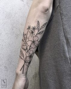 (Placement for sprig) Thank you Petra! At @salonserpenttattoo . #linework #wildflowers