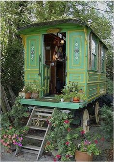 Would love to have a gypsy wagon!