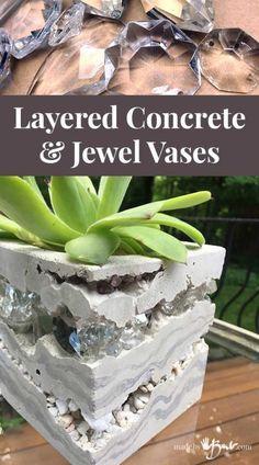 Diy Concrete Planters, Cement Art, Concrete Crafts, Concrete Projects, Concrete Garden, Diy Projects, Wall Planters, Garden Crafts, Garden Art