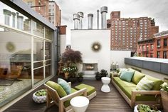 Spectacular restoration of a New York townhouse. Maybe one of the best parts of East Coast Urban living.best rooftop decks and patios! Roof Terrace Design, Small Balcony Design, Rooftop Design, Patio Design, Garden Design, Lounge Design, Chair Design, Outdoor Rooms, Outdoor Living
